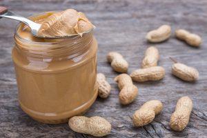 текстура арахисового масла в банке