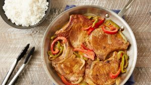 кето свиные отбивные с овощами