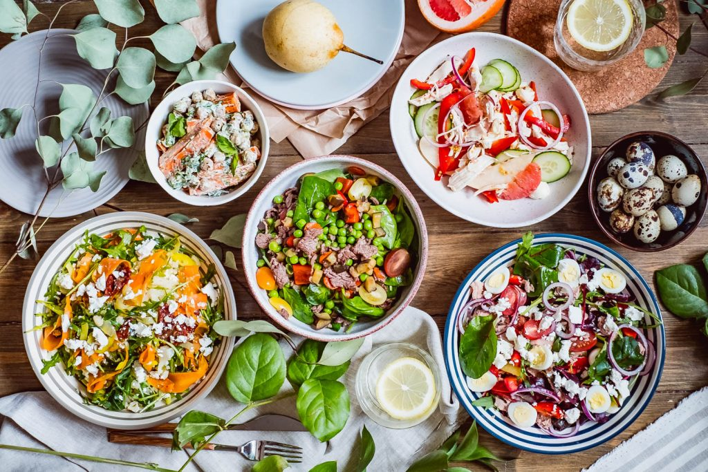Кето рецепты на неделю — самые популярные салаты с курицей