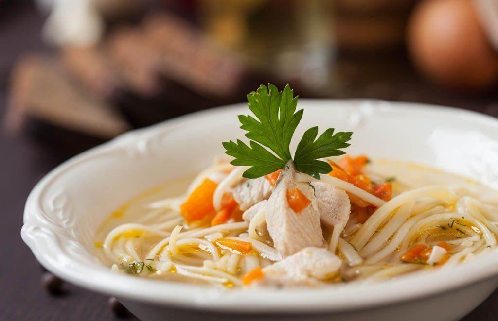 Куриный кето-суп: 2 полезных рецепта