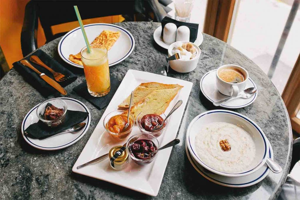 3 идеи для кето завтрака — привычный завтрак и его кето адаптация