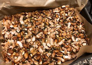 рецепт хрустящей гранолы для кето завтрака