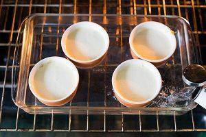 приготовление ванильного кето пудинга