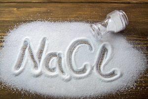 Что будет если есть много соли? 6 признаков того, что вы едите слишком много соли.