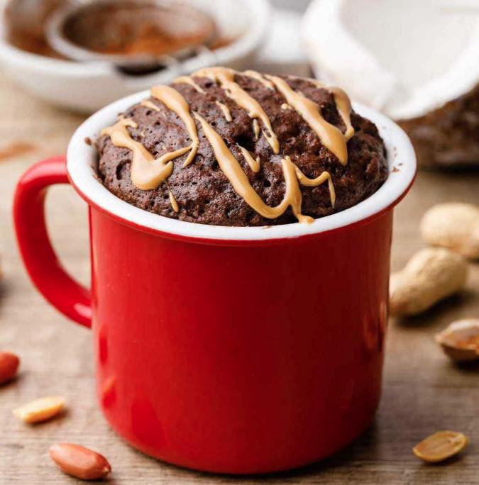 Шоколадный кекс в кружке с кокосом. Простой диетический рецепт!