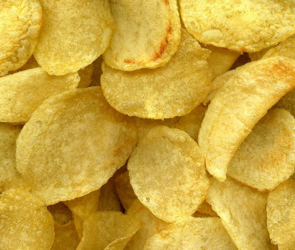 Самые необычные вкусы чипсов – ТОП 16
