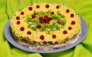 Салат с курицей и грибами для кето меню на Новый год.