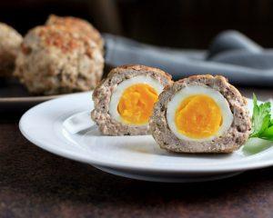 Яйца в фарше - закуска для кето меню на Новый год.