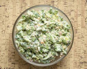 Салат из брокколи - кето рецепт.