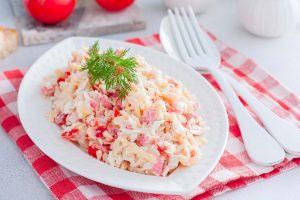 Крабовый салат для кето диеты - праздничные кето салаты.