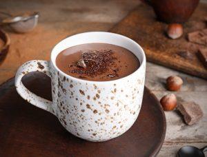Густой броне какао с шоколадной крошкой.