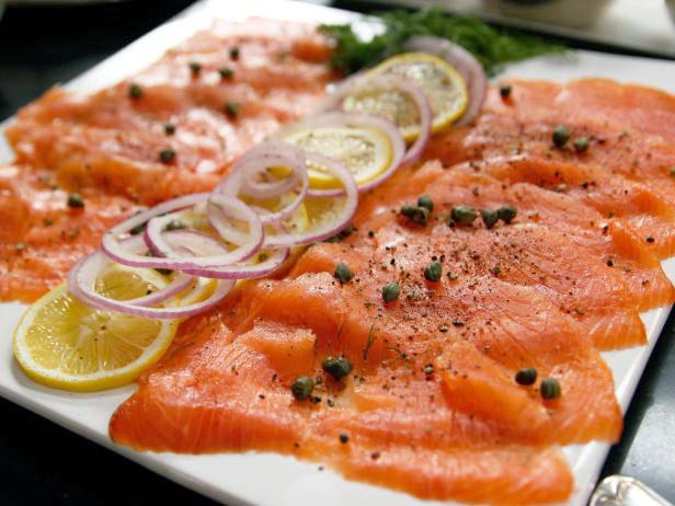 Соленый лосось - засолка рыбы на кето диете.