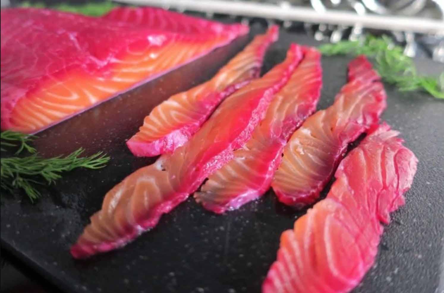 Соленая рыбы на кето диете - рецепт засолки со свеклой.